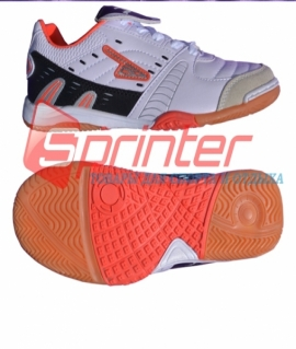 """Бутсы для зала """"Sprinter"""" из PVC и резины,белые с чёрными и оранжевыми вставками. Размер: 35. AX2392"""